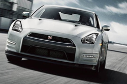 Compare 2014 nissan gt-r