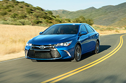 2016 camry review compare camry prices features kenny kent toyota. Black Bedroom Furniture Sets. Home Design Ideas