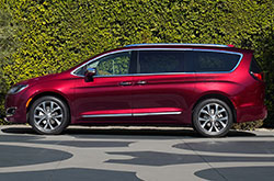 2017 chrysler pacifica review all new pacifica features. Cars Review. Best American Auto & Cars Review
