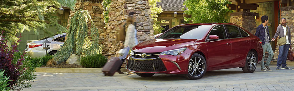 2017 Toyota Camry Hybrid Review