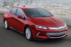 compare 2018 Chevrolet Volt