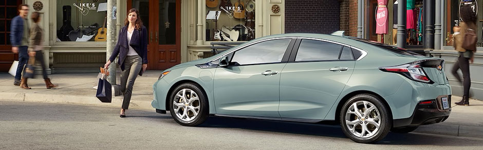 2018 Chevy Volt Plug In Hybrid Review Comparison