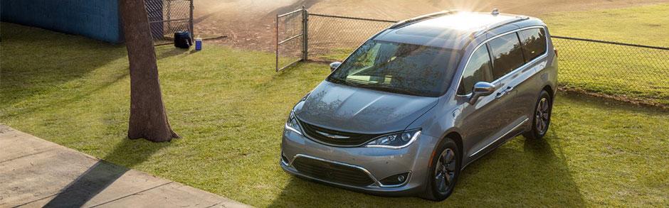 Chrysler Pacifica Hybrid Model Review