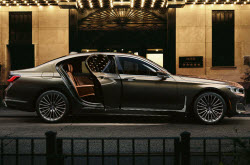 Research 2021 BMW 7 Series